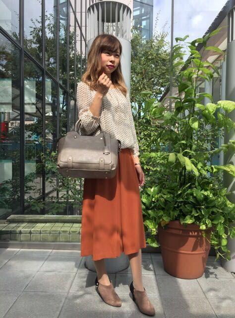Autumn Coordinate ドットプリントバルーンブラウス ¥8,900+tax  ジョーゼットスカーチョ ¥12,000+tax