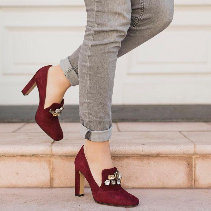 """219 Me gusta, 4 comentarios - Lodi Chile (@lodi_chile) en Instagram: """"Ríndete al color esta temporada ❤️ LODI #zapatos #lodi #moda #look #tendencias2017 #casacostanera…"""""""