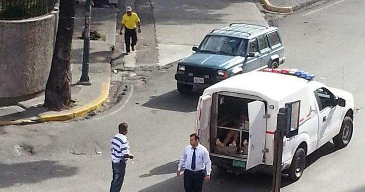 Así se trata a los cadáveres en Venezuela  http://www.facebook.com/pages/p/584631925064466