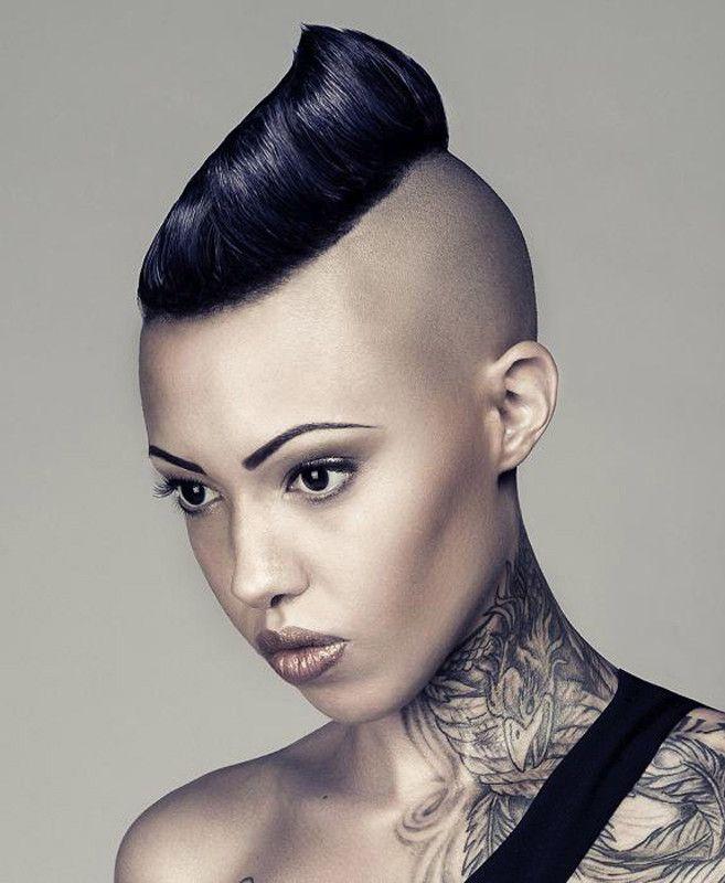 Capelli rasati, una moda che sta tornando? ,      I capelli rasati sono ancora una valida possibilità per le donne più attente alla moda capelli? L'interrogativo è saltato fuori q...