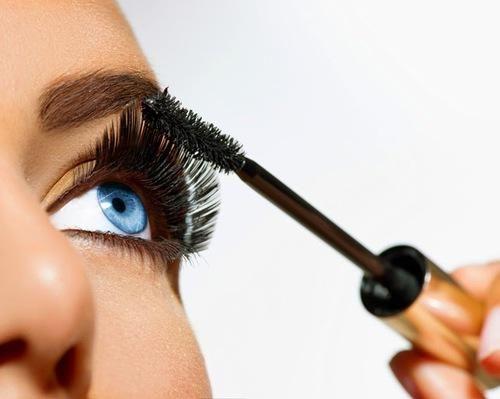 Best Mascara! Yuk, Tampil Dengan Eye Makeup Sempurna