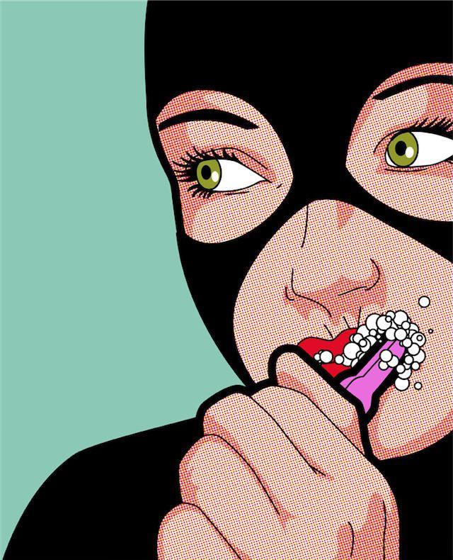 Gatubela cepillandose los dientes.