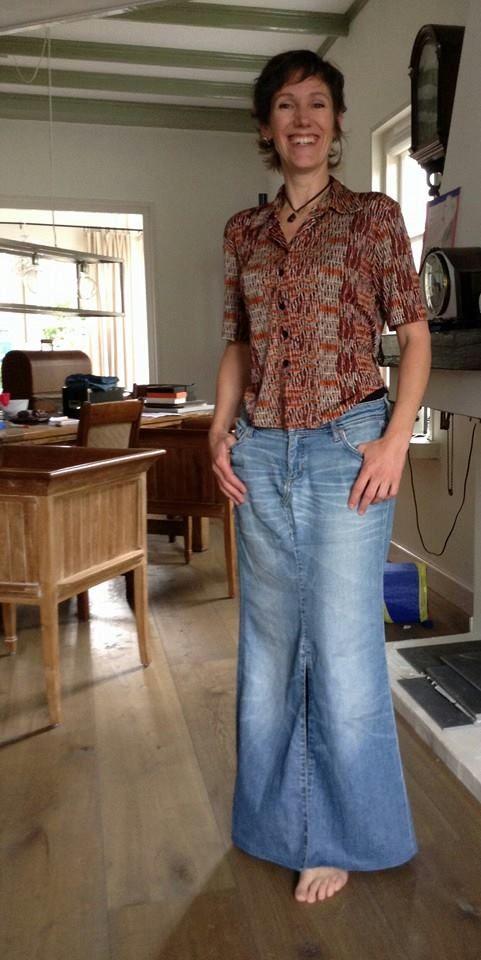 Nieuwe rok van oude broek...avondje prutsen op bejaarde naaimachine. Zoveel schik mee!!