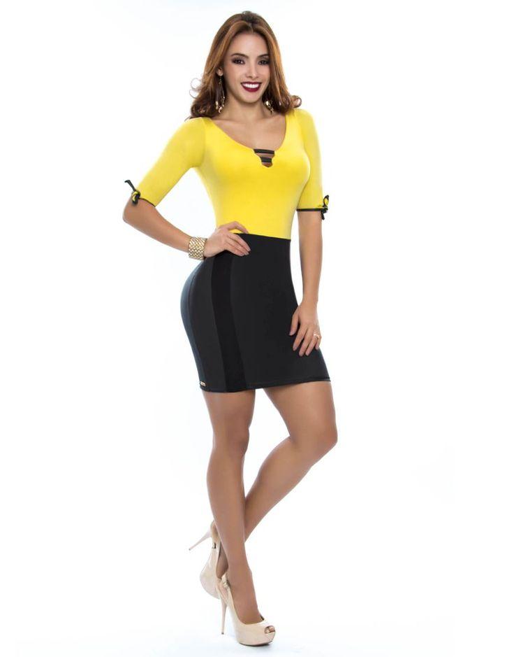 Vestido PV-2032-AM-2 Vestido corto en tono amarillo con negro.