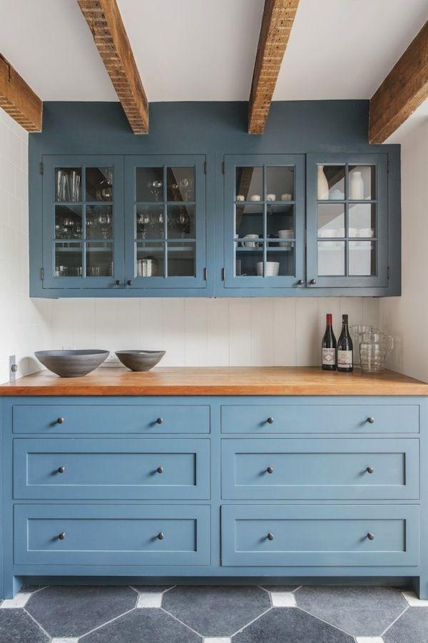 Интерьер синей кухни