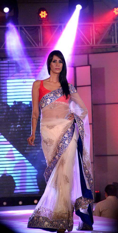 WOW #saree #sari #blouse #indian #outfit #shaadi #bridal #fashion #style #desi #designer #wedding #gorgeous #beautiful