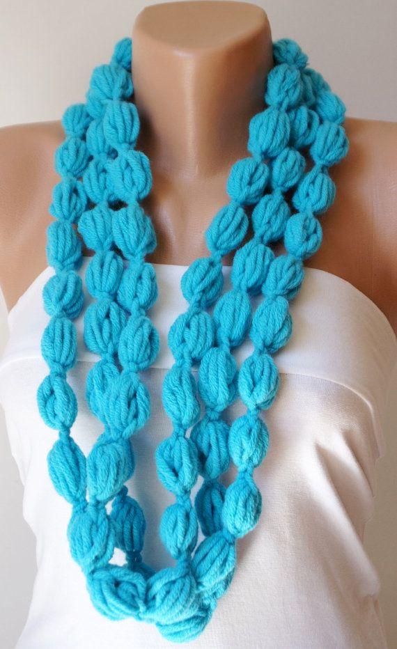 Colore di turchese di bolla blu turco, sciarpa, collana, lariat