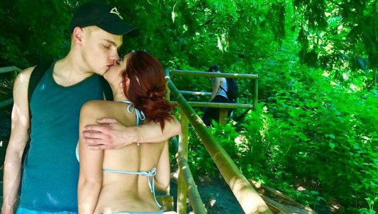 Ariel Winter Dissed Fan Who Accused Her Of Photoshopping Picture Then Goes On Vacation With Boyfriend Levi Meaden #ArielWinter celebrityinsider.org #Entertainment #celebrityinsider #celebrities #celebrity #celebritynews