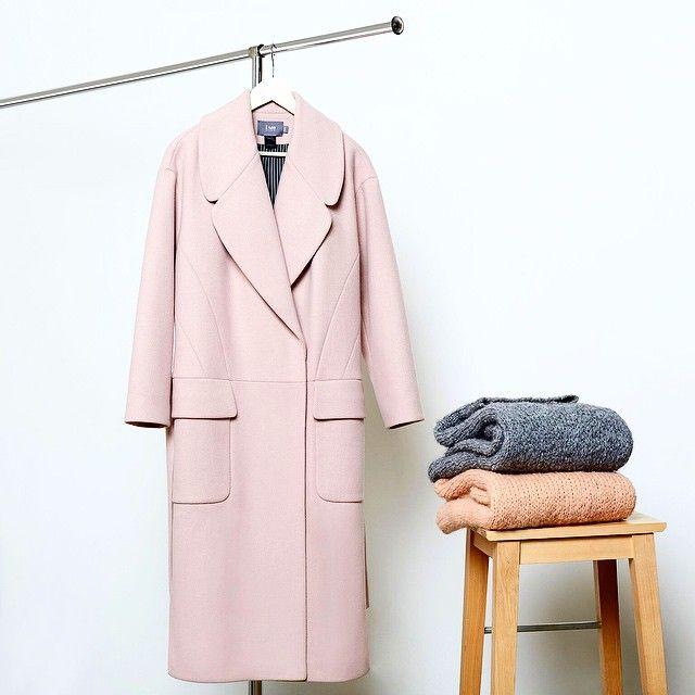 Пальто цвета пудры и свитеры из шерсти I AM Studio #iamstudio #iamstudiofw15