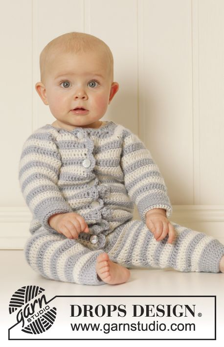 """Baby Blues - Free Crochet Baby Suit/Onesie pattern by Drops Design. Size: 0/1 - 1/3 - 6/9 - 12/18 months (2 - 3/4) years Finished measurements: Bust: 48-52-56-64 (68-76) cm / 19""""-20½""""-22""""-25¼"""" (26¾""""-30"""") Full length: 45-53-62-70 (81-90) cm / 17¾""""-21""""-24½""""-27½"""" (32""""-35½"""") Materials: DROPS KARISMA from Garnstudio 150-200-200-200 (250-250) g color no 70, light blue gray 150-150-150-200 (200-200) g color no 01, off white DROPS CROCHET HOOK SIZE 4.5 mm/..."""