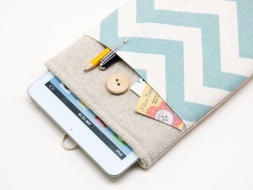 Ipad mini case with pocket and button closure. Handmade linen ipad mini sleeve.