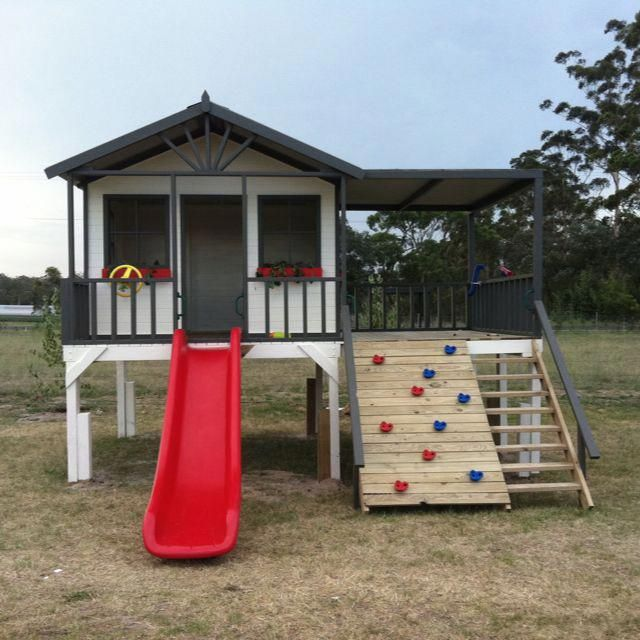 Cubby house for christmas #kidsoutdoorplayhouse