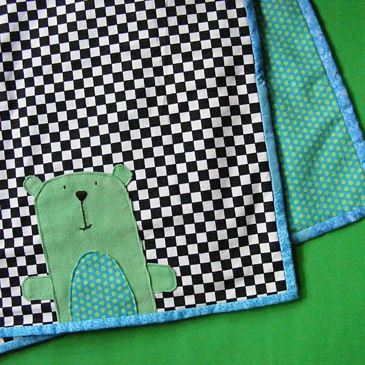 """#FreeSewingPattern - This is such an adorable blanket! Click the image to get the free instant download of the pattern and click """"Repin"""" if you love free patterns! #sewing"""