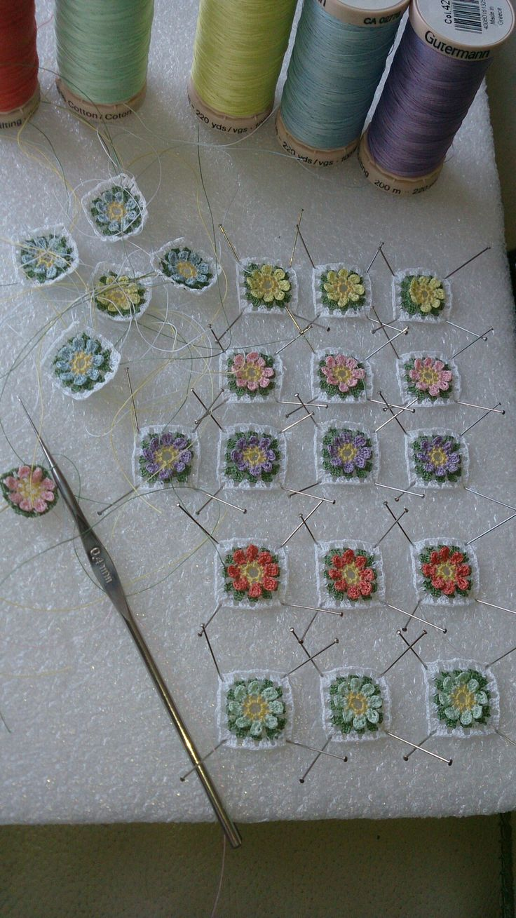 Miniature crochet - adorable or what? No pattern or info...just inspiring...