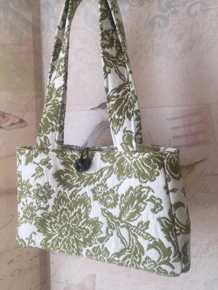 The last of my favorite vintage fabric is now a sweet Sienna Handbag! This Moss Green and Cream Jacquard is so gorgeous. And it was perfect for this bag! I also love the Vintage Wood Carved Ball Button! One of a Kind!!