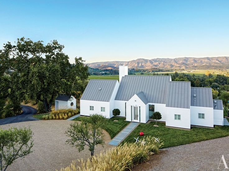 Architect Hugh Newell Jacobsen designed this Napa Valley dream home for a San Francisco media entrepreneur.