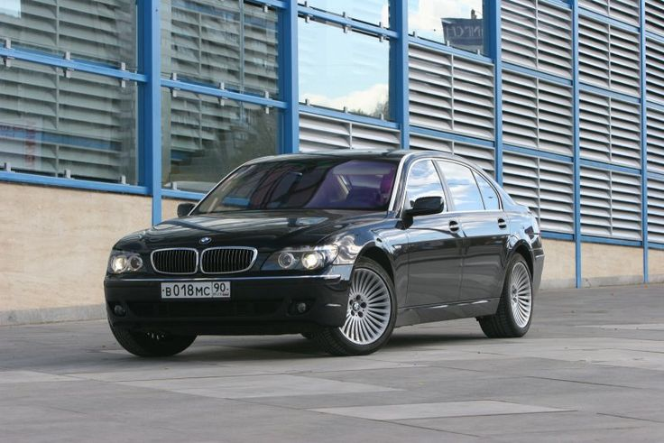 BMW 750i Автомобили, Автомобиль