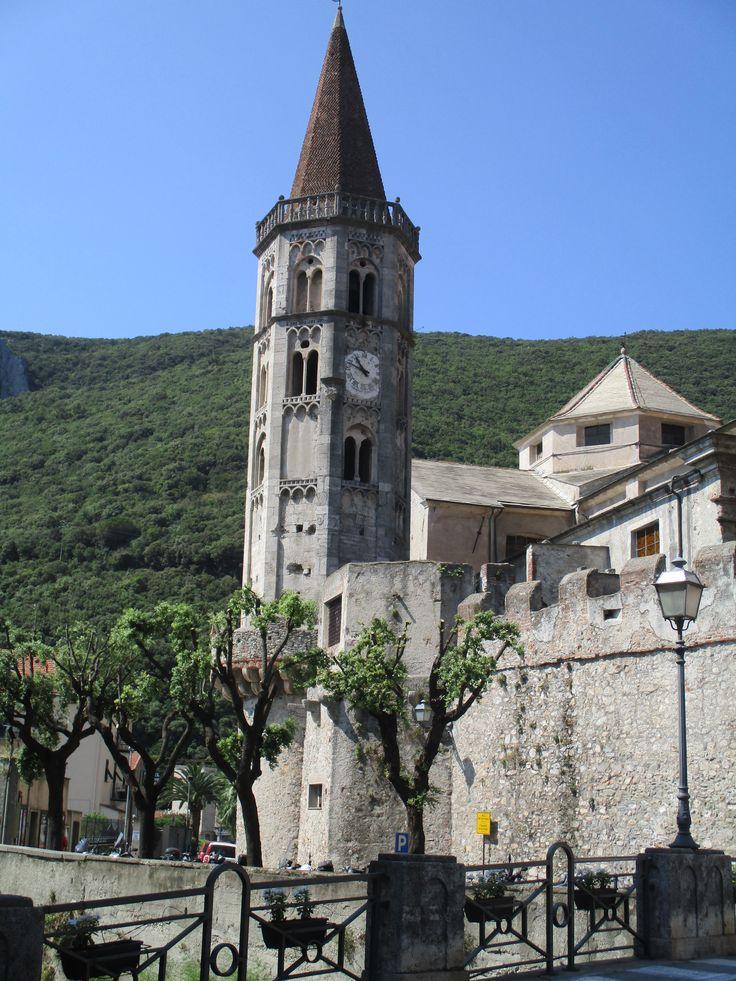 Basilica de San Biagio, Finalborgo, Italia