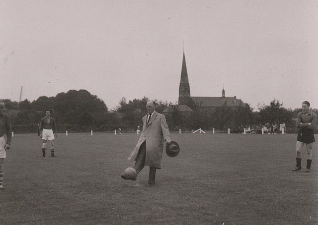 Soccer of football in Rijkevoort in 1958 ?