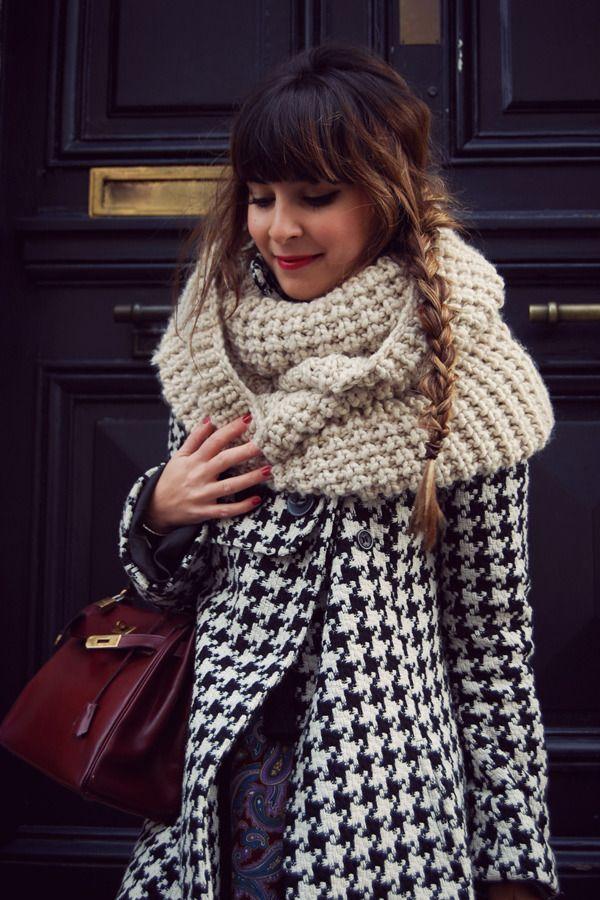 yup: Fashion, Houndstooth, Style, Scarfs, Chunky Scarves, Hair, Coat, Chunky Scarf