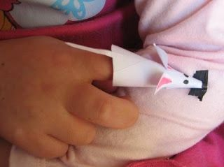 cute mouse for Hickory Dickory Dock - plus lots of other crafts, most not open ended though