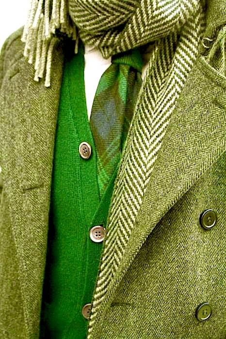 love that green, would look great styles with purple                                                                                                                                                                                 Plus