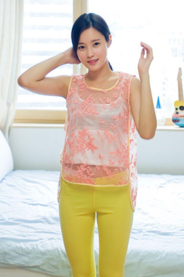 floral sleeveless organza blouse