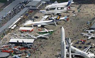 Parijs heeft minstens 3 vliegvelden, Roissy en Le Bourget.
