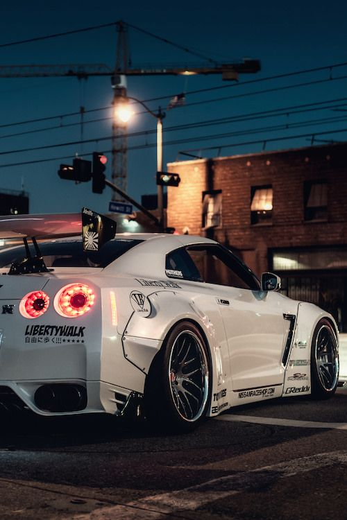 lightexpo:  Liberty Walk GTR by Jinuuu Check out #Rvinyl for the best #JDM…