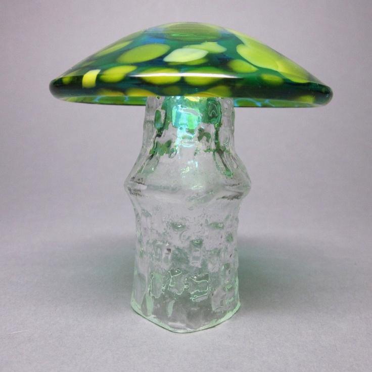 Swedish Glass Mushroom - Aseda - Bo Borgstom,  via Etsy.