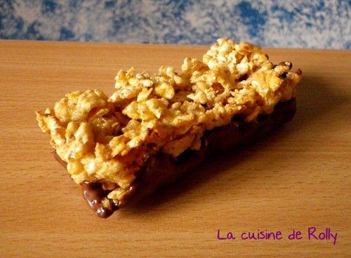 Lorsque j'étais enfant ( ça ne fait pas si longtemps...), j'adorais les barres Sundy ! J'ai craqué en voyant la recette des barres de céréales Sundy maison sur le blog de Patchouka. Pour 5 barres : 100g corn flakes 75g chocolat noir 30g sucre 50g miel...