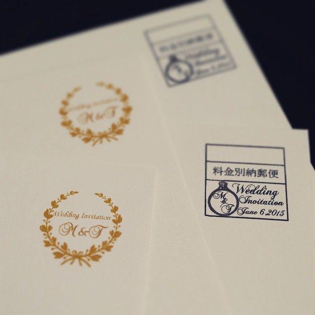 . とりあえず私の分の招待状印刷完成\(^o^)/ . 料金別納郵便マークは手渡し用と郵送用 2種類作成 . 喜んでもらえたらいいな☺ . あとはシーリングスタンプ!!!!!!!! 今からセリア行ってこよ . #invitation#招待状#料金別納郵便#シーリングスタンプ#印刷手こずったー
