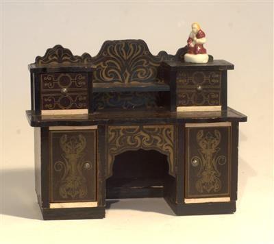 Alle antieke poppen, huizen, speelgoed bij Antiekhuis Het Timpaan