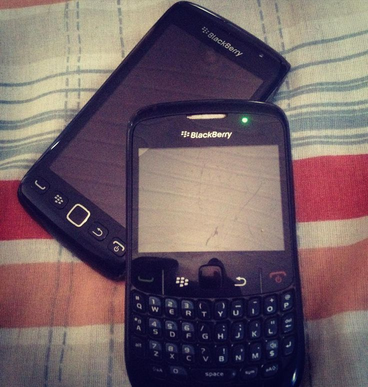 BlackBerry Touch 9660 y BlackBerry Géminis 8520 #BBOS #PoweredByBlackBerry #LoveBlackBerry #LifeStyle #Amazing #Luxury #XtremeBBerry #LuxuryBlackBerry #IChooseBlackBerry #BlackBerryForLife #Nice  ___________________________________________  #ReGram @euphalmeida8: In Evolution  #bbm #blackberry  #blackberrybrazil