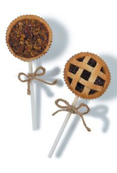 Forget cake pops--Pie pops, by Pastry Chef Jen Cinclair for Spoon Catering #weddingfavors #weddings