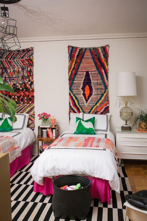 60 идей гобеленов в интерьере: стильное украшение стены http://happymodern.ru/gobelen-v-interere/ Gobelen_054 Смотри больше http://happymodern.ru/gobelen-v-interere/