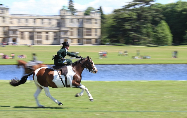Flying Foxes Display Team, Sidesaddle at the gallop