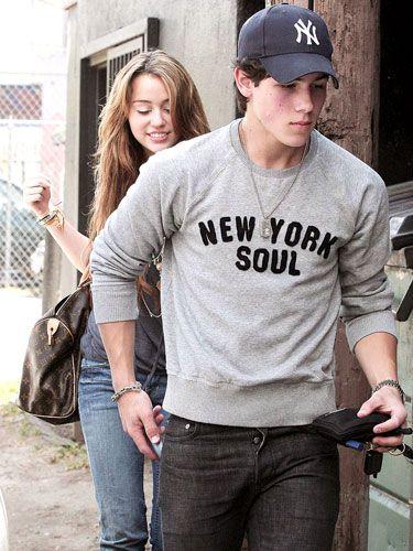 Disney Famous Teenaged Musicians Miley Cyrus & Nick Jonas