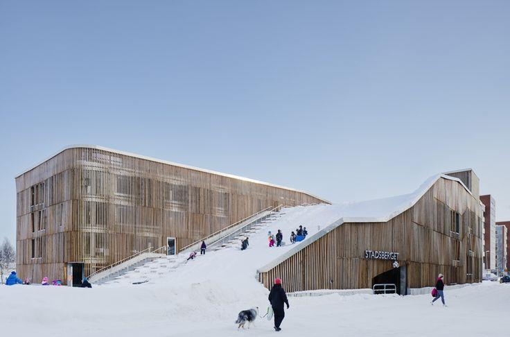 The Parking Garage that Moonlights as a Sledding Slope / White Arkitekter + Henning Larsen Architects