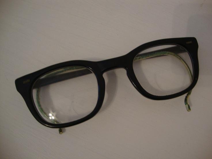 Vintage Black Horn Rim USS Army Issue Glasses 1950's Romco Spectacles: Romco Spectacl, Glasses 1950S, Issues Glasses, Horns Rim, Army Issues, Glasses 1950 S, Rim Uss, Black Horns, 1950 S Romco