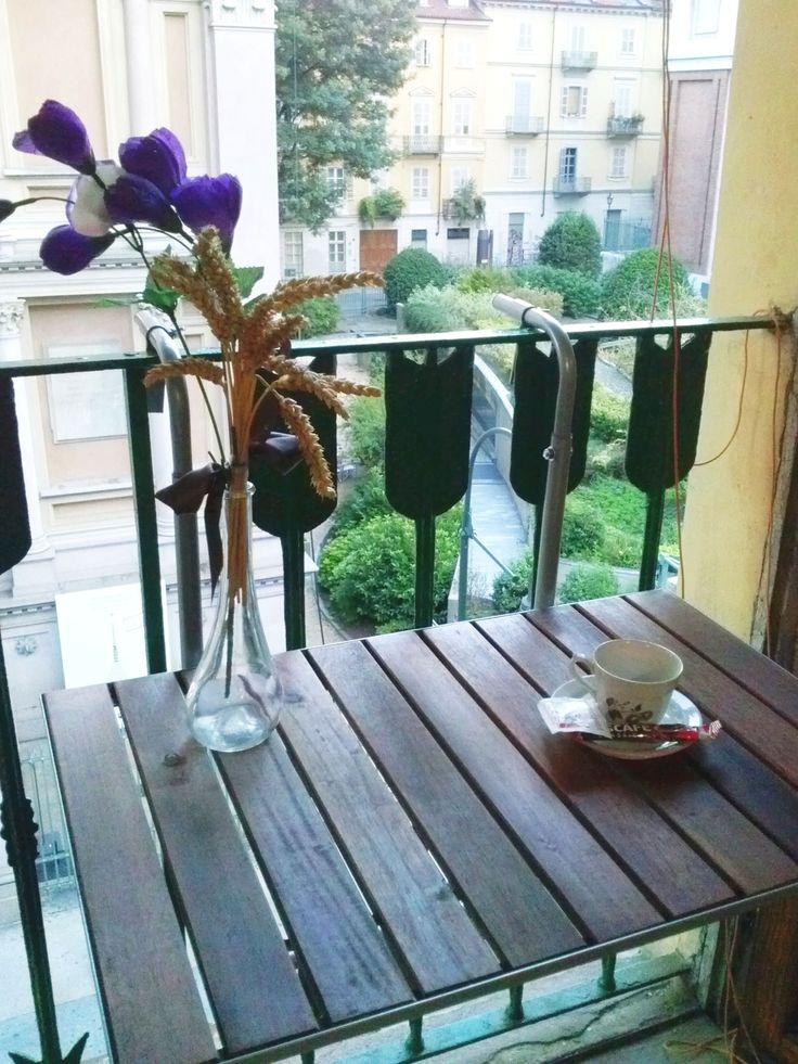 Camera da letto - balcone finestra con tavolino vista Mole Antonelliana
