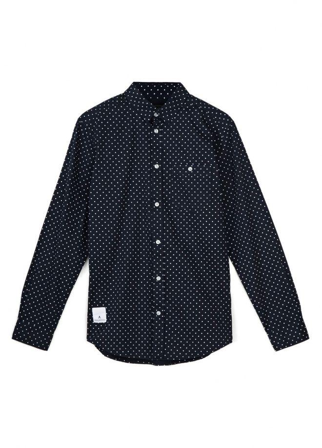 Blå skjorta till vita byxor plus färgglad kavaj?