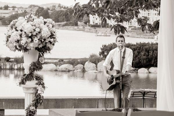 Outdoor Wedding Ceremony Victoria BC at Inn at Laurel Point Leanne Pedersen Photographers