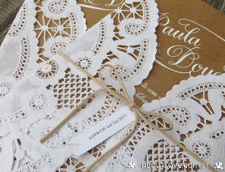 Convite-de-casamento-feito-em-papel-kraft-e-papel-rendado-1