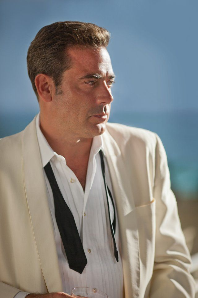 If my Dave would shave, he'd look like Jeffrey Dean Morgan in Magic City  :)  :)