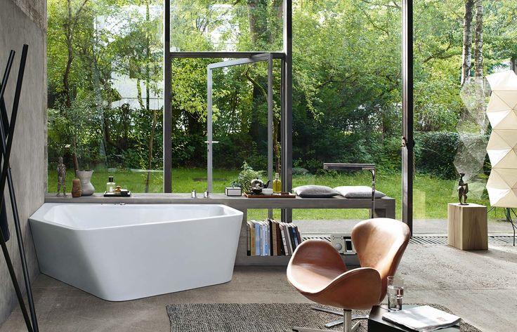1000 id es sur le th me baignoire d 39 angle sur pinterest baignoires salle de bains et - Baignoire ilot duravit ...