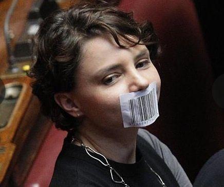 """Brogli elettorali a Reggio Emilia, il M5S sporge denuncia: """"Al seggio n.7 schede con la stessa grafia"""""""