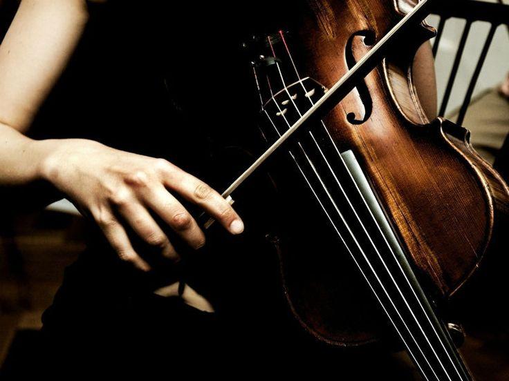 """A programação do """"Música em Cena 2013"""" traz aos domingos, 9, 16, 23 e 30 de junho, apresentações de Quarteto de Cordas Dell´Arte, Trio Musikronos, Coletivo Abaetetuba, e Quarteto Bolling."""