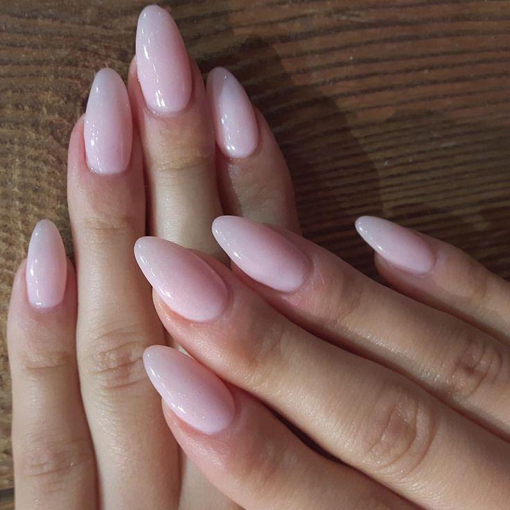 Saturday mani mieszanka dwóch kolorów #nailspapoland #gelmani #gelnails #hybry…