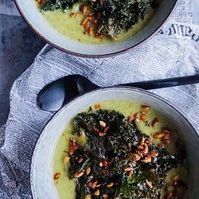 Vanløse blues.....: Grøn blomkålssuppe med sprøde grønkålschips og ristede kerner